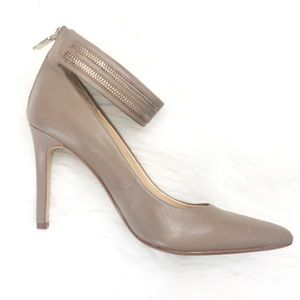 Banana Republic Pointed Toe Ankle Strap Heel 9.5
